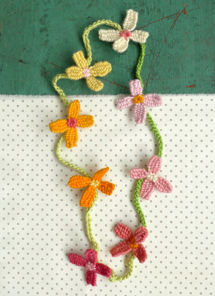 Flower-necklace-4