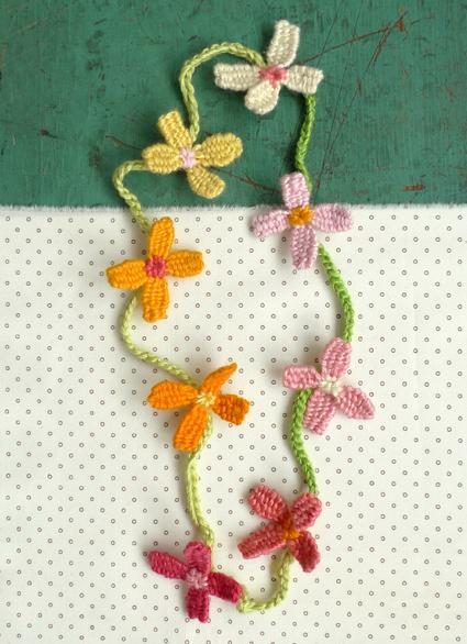 Flower-necklace-4