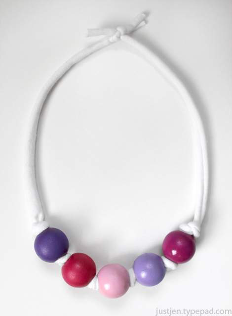 Bead-necklace-valentine